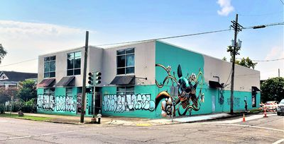 Large Bywater Building on Hard Corner-For Lease
